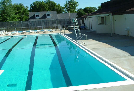 chlorinated swimming pool dangers the saltwater alternative